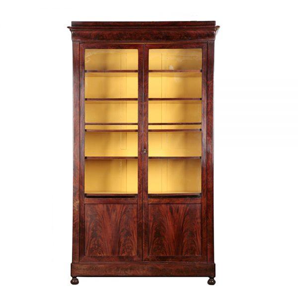 http://wildschut-antiques.com/wp-content/uploads/2018/09/Wildschut-maghony-vitrine-cabinet-600x600.jpg