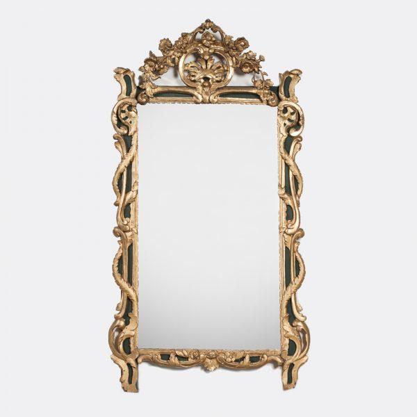 http://wildschut-antiques.com/wp-content/uploads/2019/01/Wildschut-Italian-baroque-gesso-mirror2-600x600.jpg