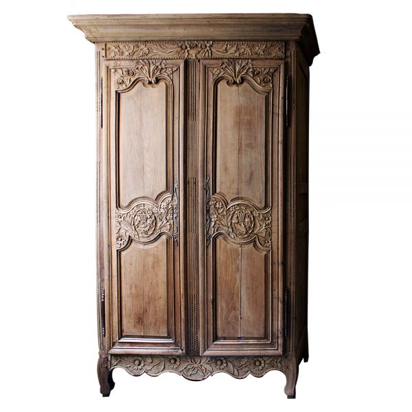 https://wildschut-antiques.com/wp-content/uploads/2018/09/Wildschut-normandy-wedding-cabinet-600x600.jpg