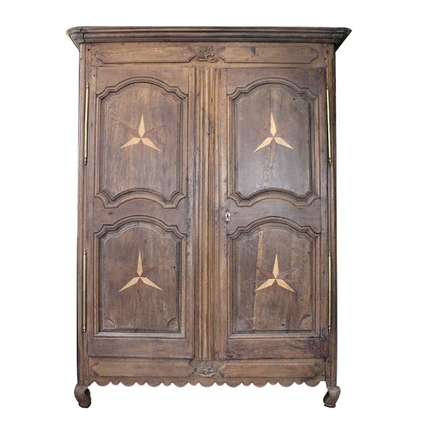 https://wildschut-antiques.com/wp-content/uploads/2018/09/Wildschut-star-wedding-cabinet-600x600.jpg